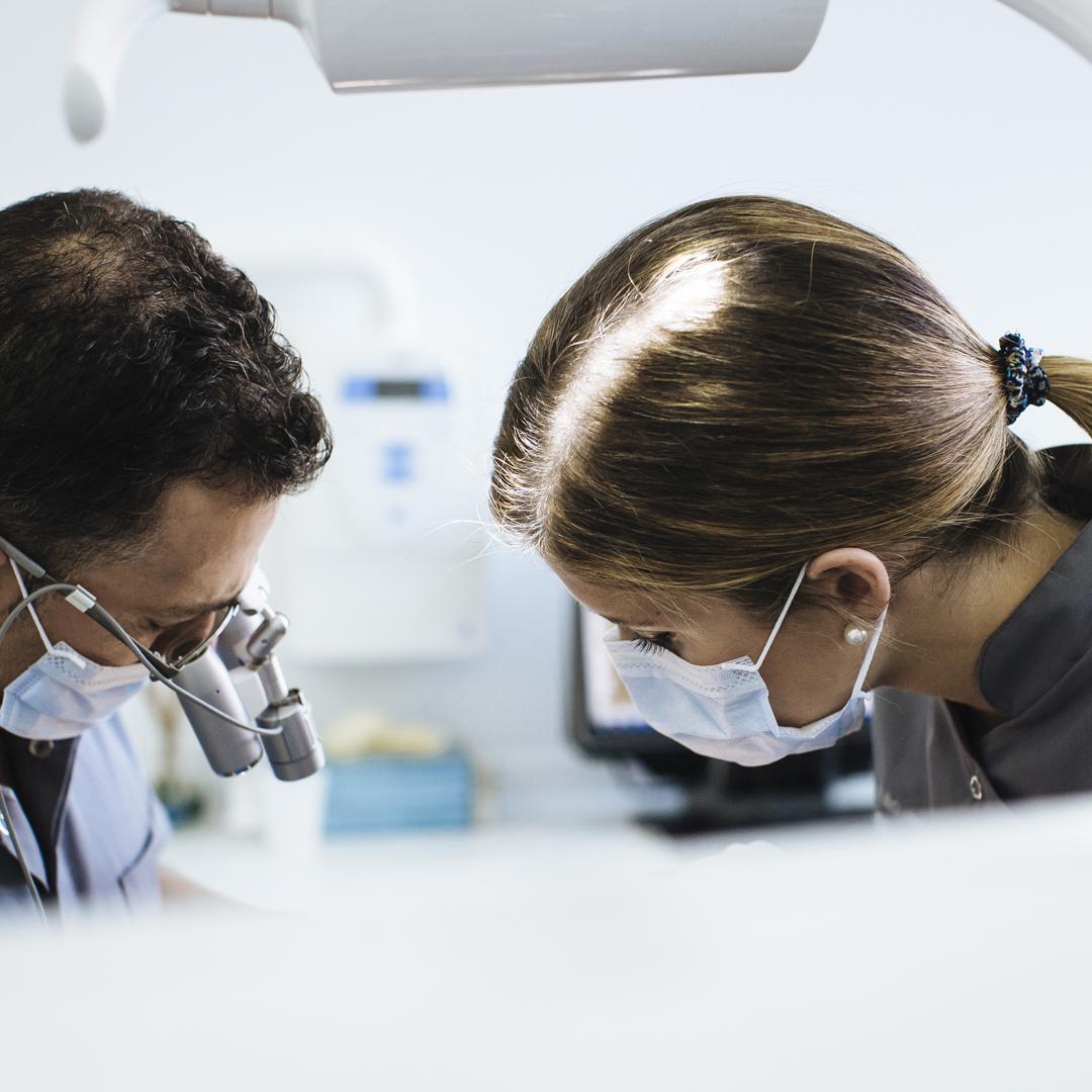 dentista-trabajando